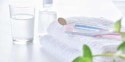 歯ブラシと洗口剤の画像