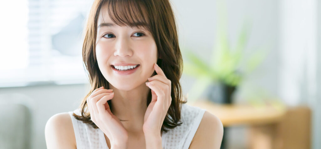 大阪市阿倍野区西田辺 歯医者 歯並びの良い女性